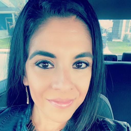 Yvette Espinoza