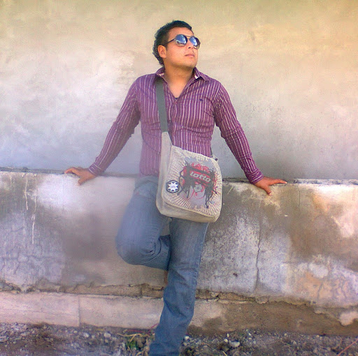Luis Menchaca Photo 18