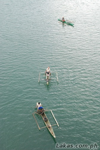 Fishermen near the bridge