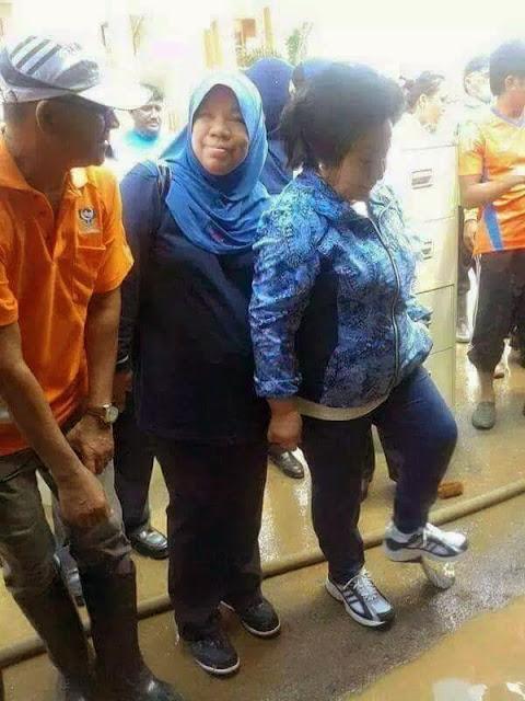 Kasut Rosmah Tercabut Tapak?