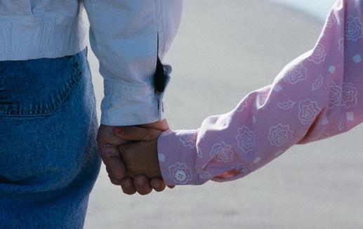 والد وابنته اعترفا باقامة علاقة محرمة بينهم
