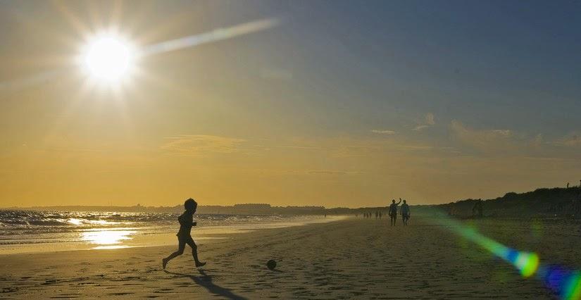 Atardecer en la Playa de Punta Umbría, un excelente lugar para viajar con niños