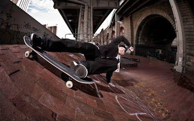 Mike Vallely. Airwalk, Bones Brigade