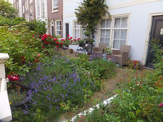 Begijnhof, Jardines Interiores, Amsterdam, Holanda, Países Bajos,  Elisa N, Blog de Viajes, Lifestyle, Travel