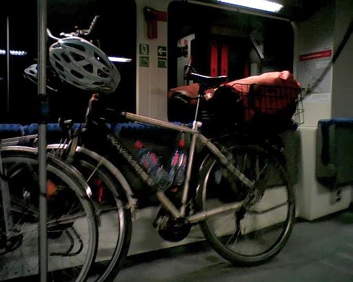 Panther Bike im Nahverkehrszug