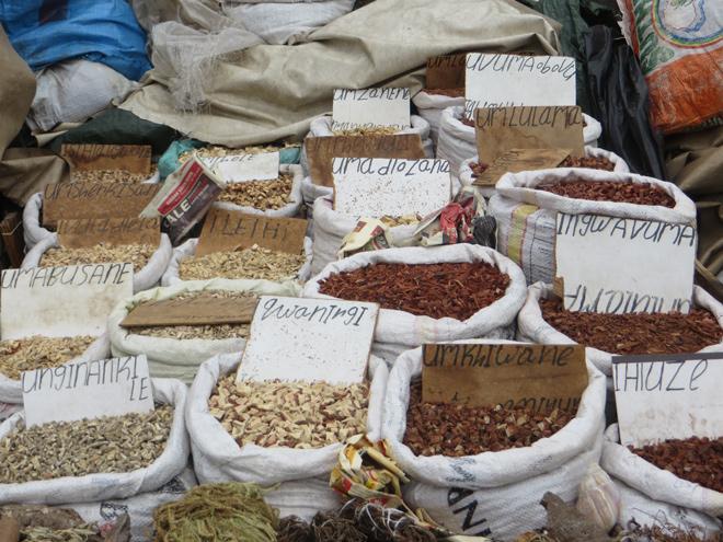kruidenstalletje, op Victoria Street Market, Durban, Zuid Afrika