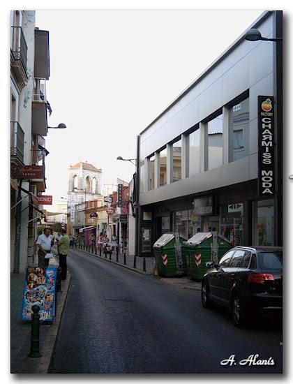 Calle Romera al fondo el Mirador de la antigua Hacienda El Lanero o de Pino.