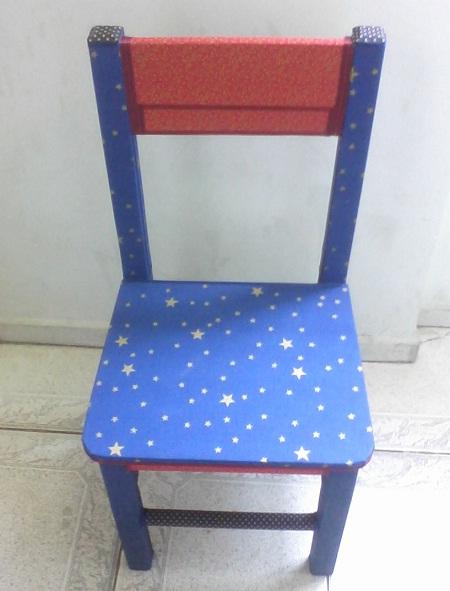 cadeira de madeira customizada