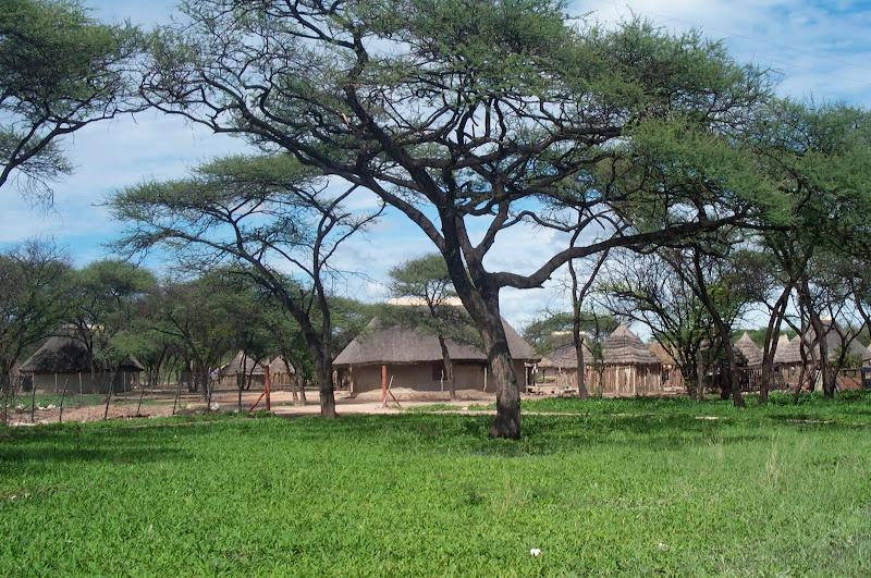 El poblado dentro de la fundación
