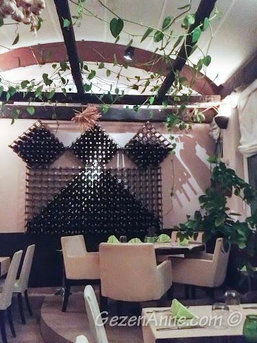 Michelangelo restoranı ortamı, Capri