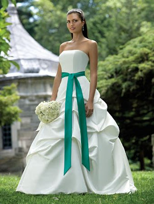 A Better Look With Wedding Dress Sash | Wedding dresses, simple ...