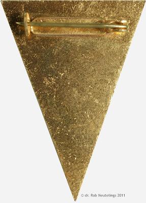 II 715 Absolventenabzeichen der Juristischen Hochschule des Ministeriums für Staatssicherheit Potsdam