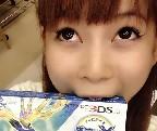 【しょこたん】ポケットモンスターXYを手に入れた中川翔子、嬉しすぎて箱を食べる