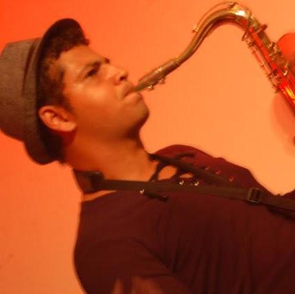 Carlos Caetano Photo 29
