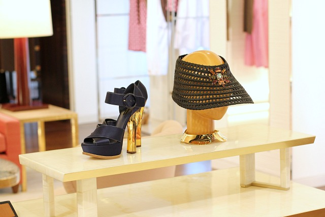 Louis Vuitton Womens Universe Vienna 03