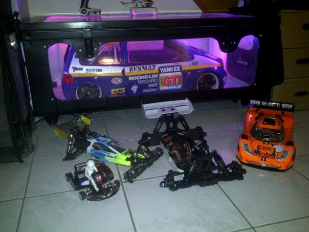 The Spike's Garage 16676_4804554505368_432880436_n