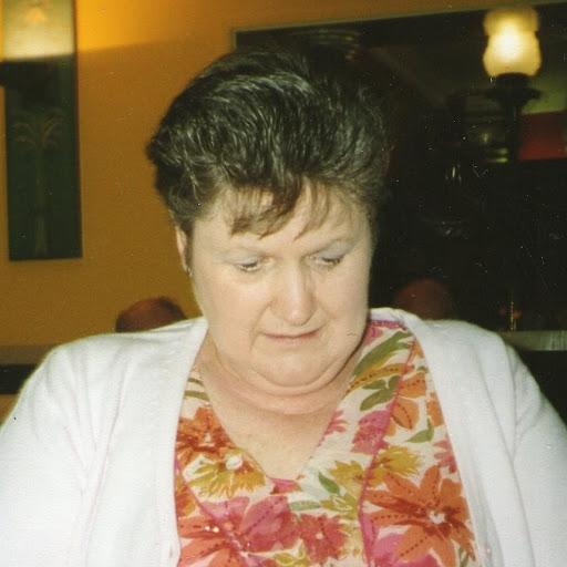 Carol Lyons Photo 21