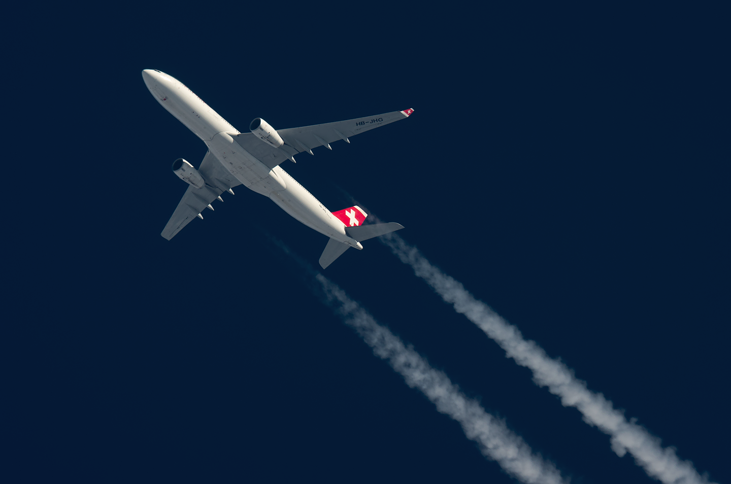Contrail spotting September 2015 - Page 2 - Aviation24.be