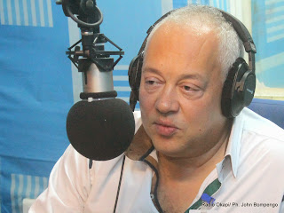 Jean Steffens, Directeur du Festival les Francofolies le 14/08/2014 à Kinshasa, au studio de Radio Okapi/Photo John Bompengo