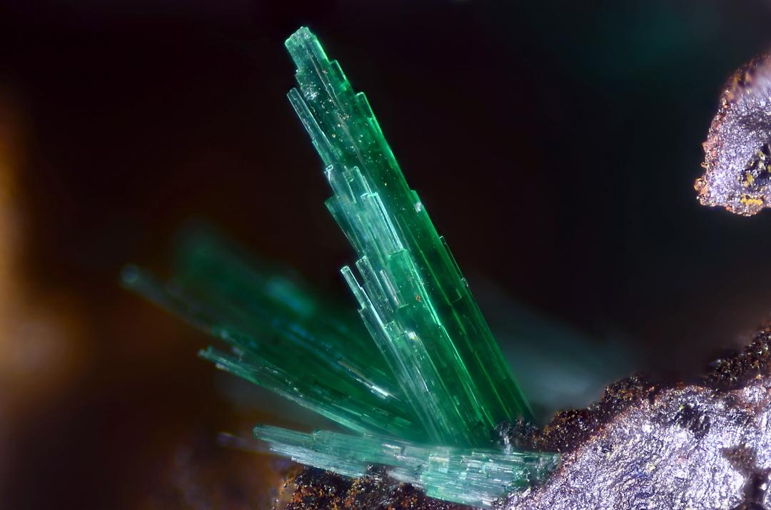 Algunas fotos para compartir. Brochantite%252C+Hilarion+Mine%252C+2+mm