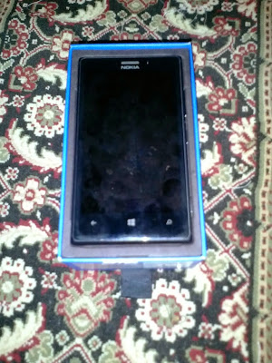 WTS: Nokia Lumia 925 Black Mulus dan Fullset