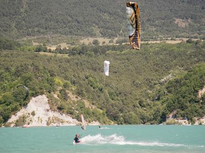 Week-end test Flysurfer-Deluxe Party 2/3 juillet Lac de Monteynard Deluxe_flysurfer_0041