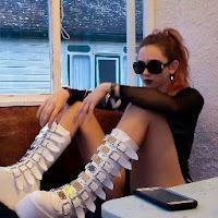 Leah Kelly's avatar