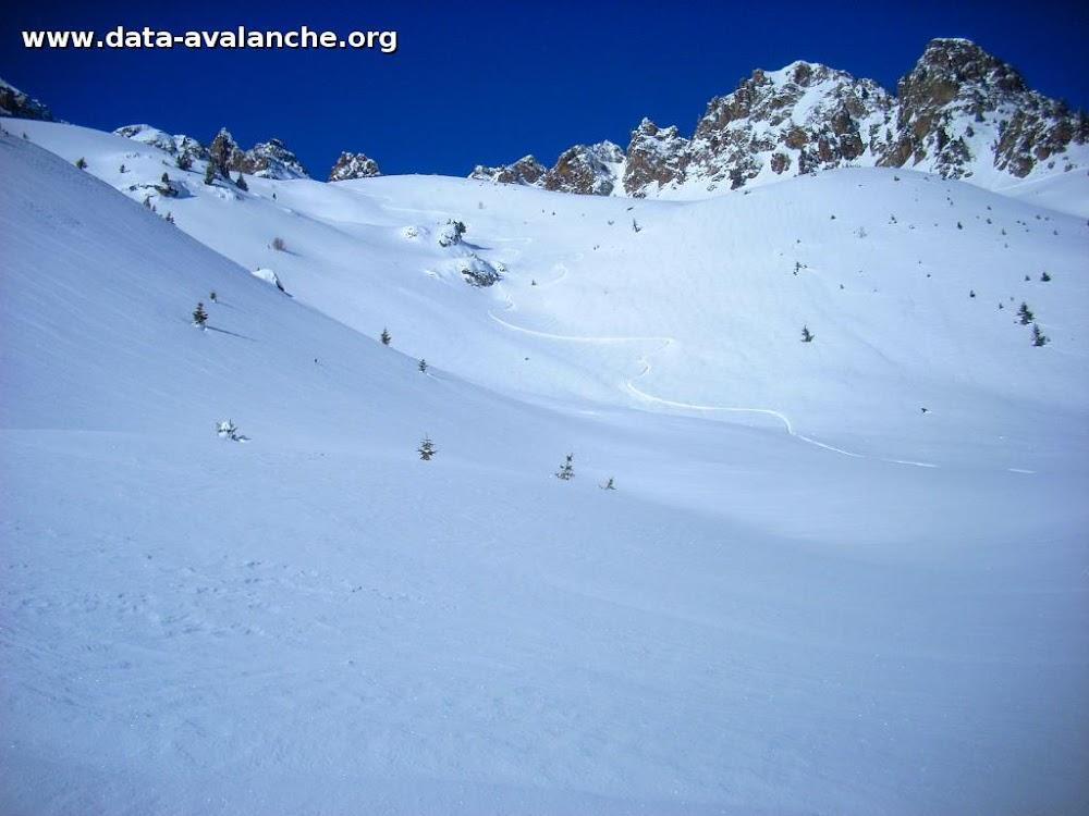 Avalanche Belledonne, secteur Grande Lance d'Allemont, Vers le col Chazeau, a droite du point coté 2232m, vers la cote 2100m - Photo 1