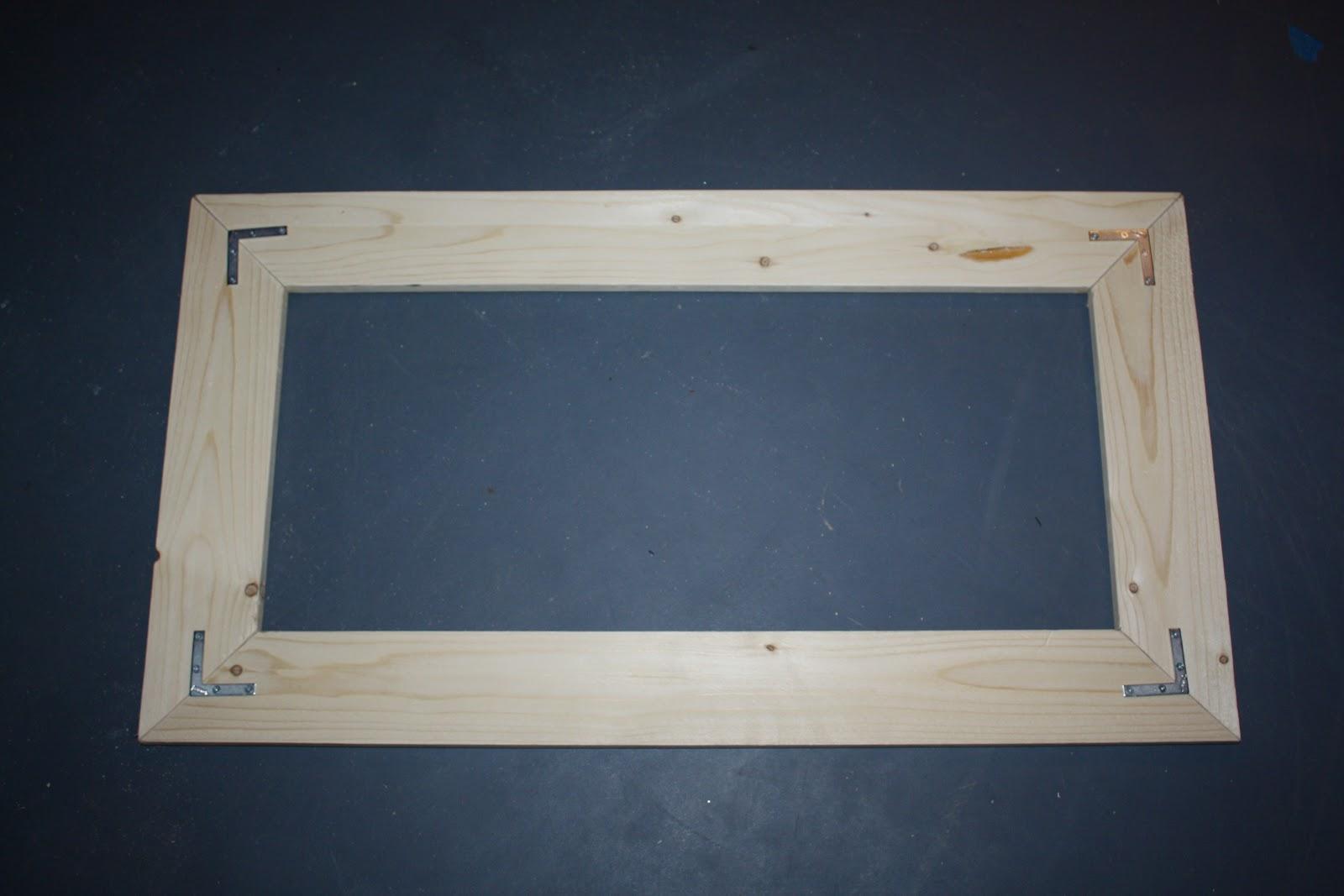 Katelyn\'s Desk & Chicken-Wire Board