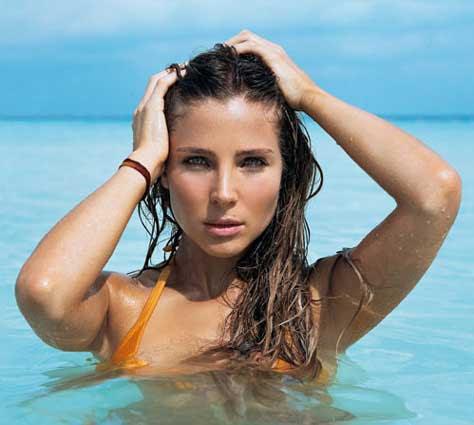 Elsa Pataky en el agua