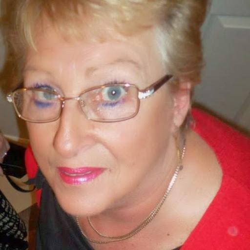 Lynn Knott