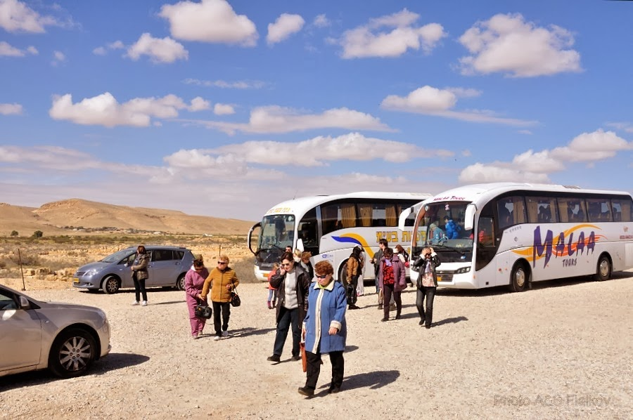 Фоторепортаж: гид Светлана Фиалкова, экскурсия в Негев, Махтеш Гадоль - Большой Кратер. Автостоянка возле заповедника Мамшит.