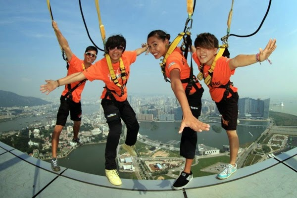 Dream Trip to Macau dengan aksi extreme Skywalk X