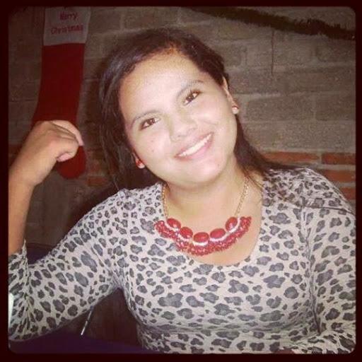 Estefania Perez Photo 11