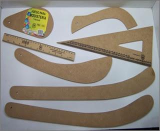 Reglas de modisteria en madera