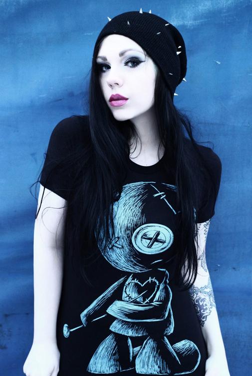 akumuink, akumu, voodoo doll tshirt, alt model, tattoo model, tattoos, tattoo style, tattoo fashion, anime tattoos, creepy cute, skull shirt, emo tshirt, emo scene style