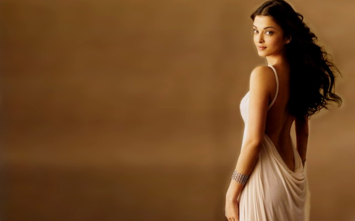 Aishwarya Rai-Bachchan Wallpaper 4