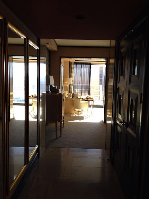 Encore Suite Foyer