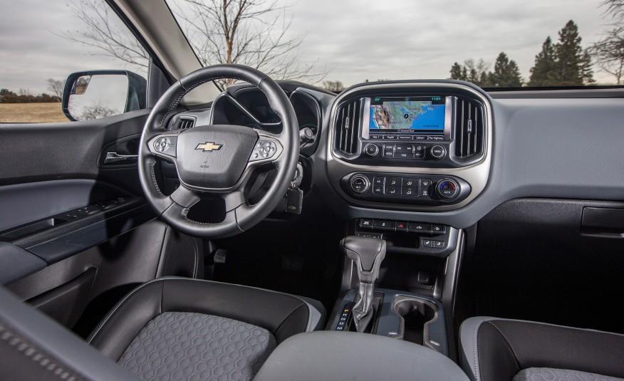 Là một chiếc bán tải, nhưng xe cực kỳ thông minh và nhiều tính năng an toàn