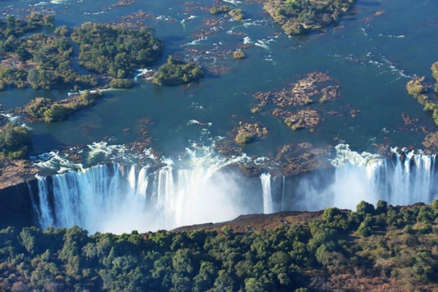 Dicas para visitar as CATARATAS DE VITÓRIA - O que ver e fazer, passeio de helicóptero e visita à Piscina do Diabo | Zâmbia e Zimbábue
