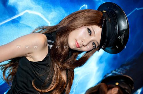 Nữ cảnh sát gợi cảm tại Dungeon & Fighter Festival 3