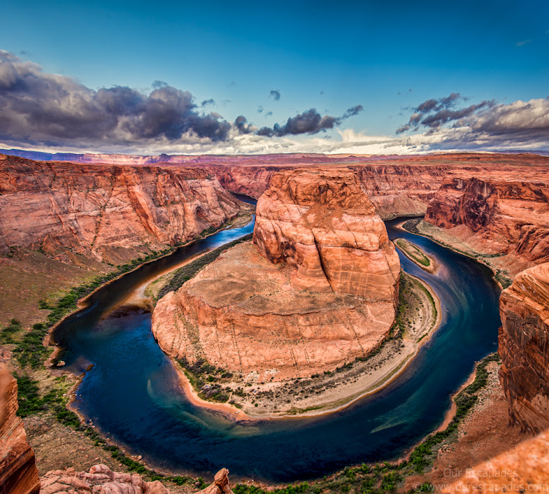 This is the Horseshoe Bend. Nature is beautiful, ain't it?