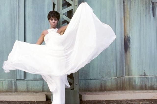 EDWINA LASHAN: DIAHANN CARROLL: Tribute Tuesday: Fashion Icon: Style ...