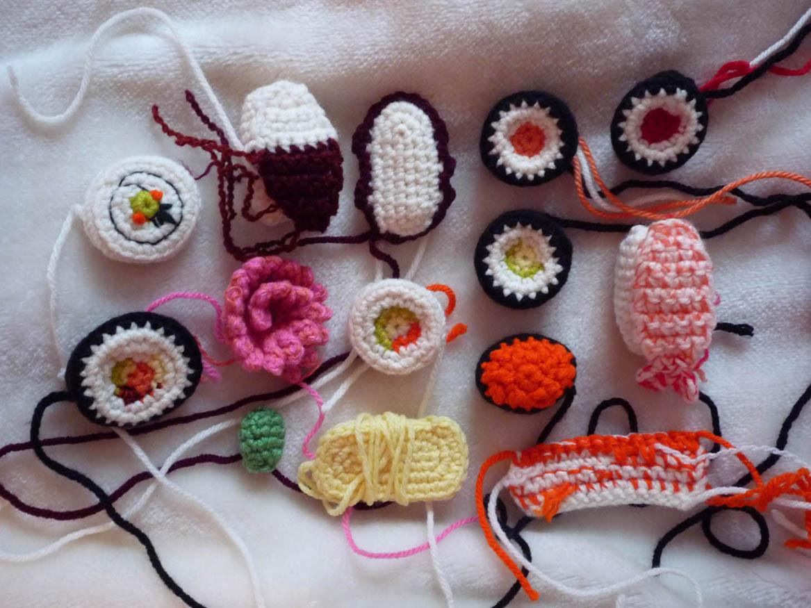 Amigurumi Sushi Cat : DeLancy Figgin: Crochet Sushi Pattern is under way...