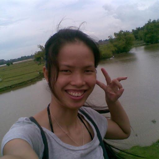 Huong Quach Photo 12