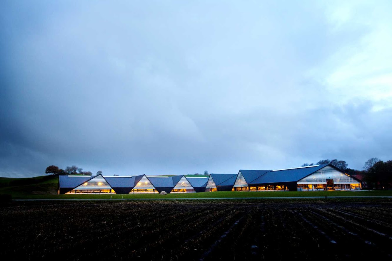 Denmark: VEJLSKOVGAARD STABLE by LUMO ARCHITECTS