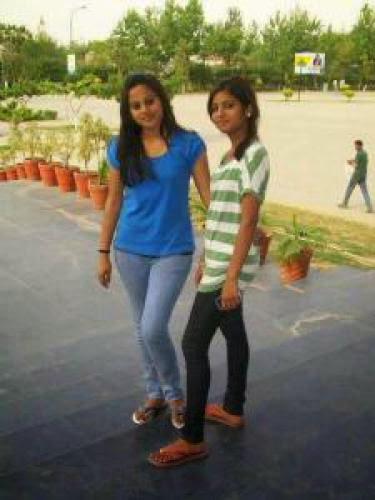 Girls In Park And Friendship For Free
