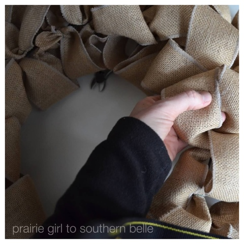 Easy to make burlap wreath tutorial