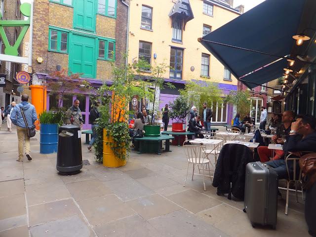 Neal´s Yard, Neal Street, Londres, London, Covent Garden, Seven Dials, Elisa N, Blog Viajes, Lifestyle, Travel, TravelBlogger, Blog Turismo, Viajes, Fotos, Blog LifeStyle, Elisa Argentina