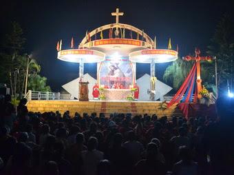 Thánh Giá ĐHGT về giáo xứ Tôn Đạo
